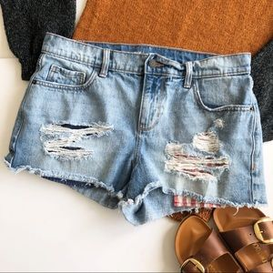Old Navy Boyfriend 4th of July distressed shorts 8
